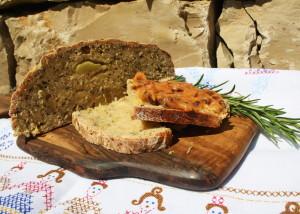Katroffelbrot mit Butter